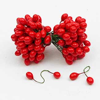RED HOLLYBERRIES